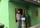 Bersama Warga, Gusdurian Karawang Peduli Bangun Rumah Nenek Rohayati
